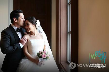 「COOL」ユリ、妊娠4か月を発表