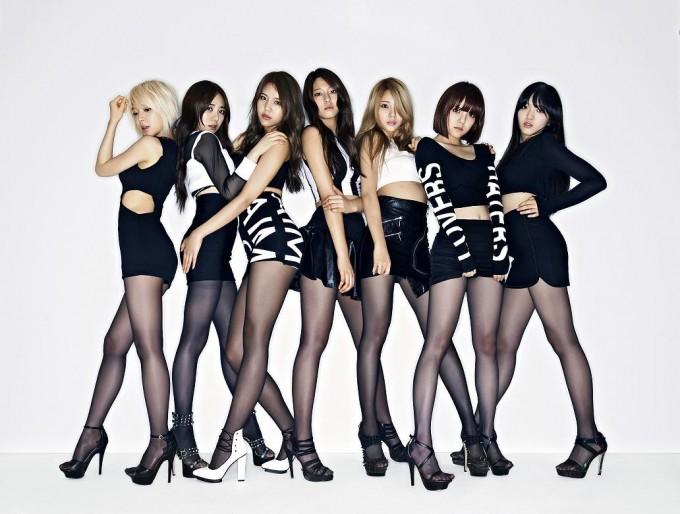 アー写メイン小 (C)FNC Entertainment_s