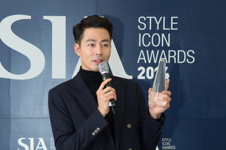 チョ・インソン、2014スタイル・アイコン・アワード大賞を受賞「演技賞よりも感激」