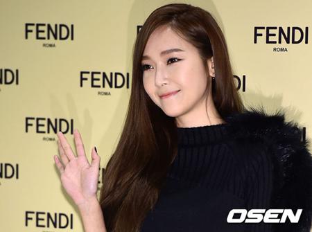 「少女時代」離れ、韓国で初の公式の場に登場したジェシカ
