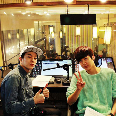 「TEENTOP」L.JOE&CHUNJI、コーヒーショップの1日DJに変身