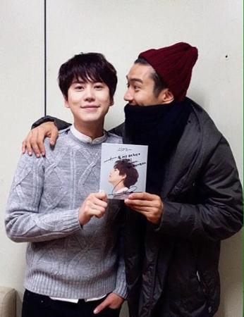 「SJ」キュヒョン、熱烈ファンのアジアスター俳優と一緒に?