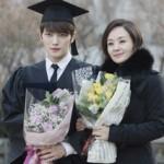 「JYJ」ジェジュン、ペ・ジョンオクと本当の母子のような卒業写真
