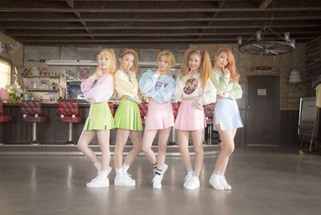 """新メンバー加入「Red Velvet」、「Ice Cream Cake」の""""甘い""""MV公開"""