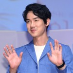 俳優ユ・ヨンソク、映画「王様の事件手帖」でイ・ソンギュンと共演へ