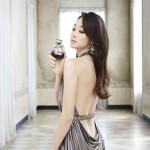 """女優チェ・ヨジン、官能的な香水画報に """"視線集中"""""""