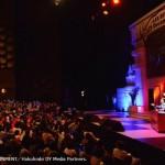 「速報」イ・ビョンホン、公式ファンクラブ10周年イベントでファンを握手でお見送り