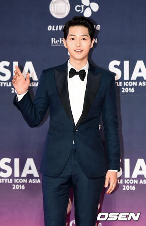 俳優ソン・ジュンギ、中国ファンミ前の記者会見で流暢な中国語を披露
