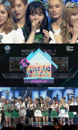 「TWICE」、7冠達成でトップアイドルの仲間入り