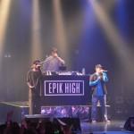「取材レポ」EPIK HIGH、ジャパンツアー東京公演も大盛況! 客席に降りて記念撮影&牛丼持ち込みなど自由すぎるメンバーの姿にファン熱狂!