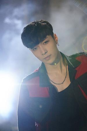 「EXO」LAY、誕生日にソロ曲「what U need? 」を公開!