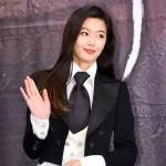 女優チョン・ジヒョン、女優で唯一「今年の映画俳優10人」に選定