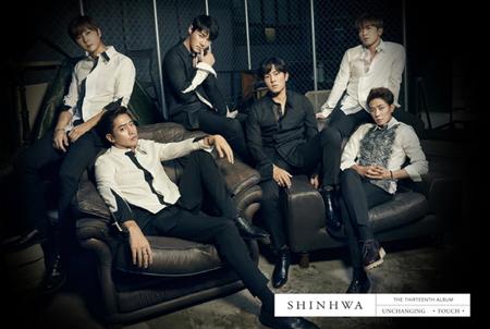 「SHINHWA」、9年ぶりKBS&MBC年末授賞式に出撃