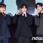 """Double S 301ヒョンジュン、""""ホ・ヨンセン、音域がいっそう広くなった""""と称賛"""