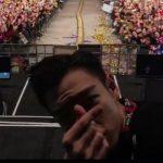"""「BIGBANG」T.O.P、""""指ハート""""で入隊前のあいさつ「皆さんのことが懐かしくなるだろう」"""
