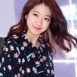 「PHOTO@ソウル」女優パク・シネ、バッグブランドのポップアップストアオープン記念サイン会に出席