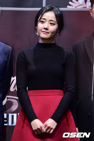 女優ムン・グニョン、急性コンパートメント症候群で緊急手術…公演キャンセル