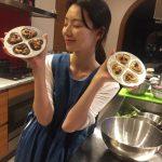 パク・スジン、夫ペ・ヨンジュンに渡すチョコレート作りを公開