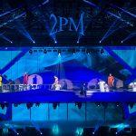 「2PM」、中止となったコンサートを再び開催…負傷のJun.Kも合流