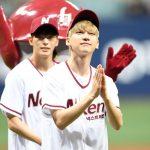 「PHOTO@ ソウル」VIXXヒョギ&ホンビン、プロ野球の始球・始打式を行う