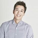 俳優キム・レウォン、HBエンターテインメントと再契約を締結
