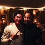 俳優チャン・グンソク、秋山成勲と一緒に誕生日パーティー