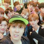 "FTISLANDホンギ、Wanna Oneとのラジオ収録認証写真公開…""最近人気の11人の男たち"""