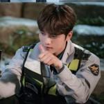 「マンホール」ジェジュン(JYJ)、警察官姿のビハインドカット公開
