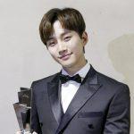 "2PM ジュノ「2017 Asia Artist Awards」授賞式での記念ショット公開""メンバーの顔が見たい"""