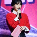 テヨン(少女時代)、「Red Velvet」のショーケースでMC…「大好きな後輩」