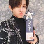 歌手サムエル、香港「2017 Yahoo Asia Buzz Awards」で韓国新人賞を受賞