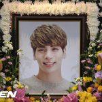 「PHOTO@ソウル」故SHINeeジョンヒョンとの悲しい別れ!…ファンが涙の弔問