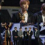 """<ゴールデンディスク>SUPER JUNIOR、本賞を受賞…""""故ジョンヒョン、永遠に記憶してほしい"""""""