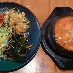 「FOOD」おいしい海鮮スンドゥブチゲと野菜テンコ盛りで栄養も満点!