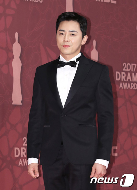 【公式】俳優チョ・ジョンソク、文化倉庫と契約満了