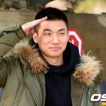 入隊したD-LITE(BIGBANG)、ファンにあいさつ 「愛してます」
