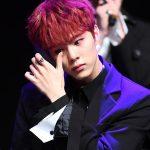 """""""活動再開""""「UP10TION」ウシン、ショーケースで涙…「ファンのおかげで合流」"""