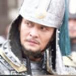 俳優の故チョ・ミンギ、花火のような人生…名俳優が容疑者となって冷たい最後に