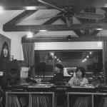 少女時代ユナ、俳優パク・ボゴムと歌手イ・サンスンとの作業室ツーショット公開…ピアノを弾くボゴム