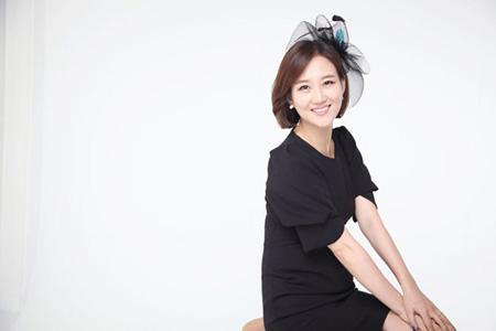 歌手チャン・ユンジョン、ソウル・盆唐「老人たちの憩いの家」へマッサージチェアを寄付