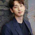 俳優ユン・パク、JYPエンターテインメントと契約満了前に再契約