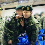 <トレンドブログ>基礎軍事訓練を終えたG-DRAGON、訓練所の同期たちと記念写真を残す♪