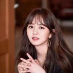 """""""次世代女優""""キム・ソヒョン「好きなアイドルはRed Velvet&BLACKPINK、親しいのは…」"""
