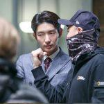 俳優イ・ジュンギ&キム・ジンミン監督、信じてみるコンビ…「犬とオオカミの時間」に「無法弁護士」