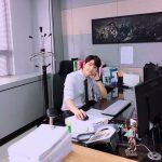 INFINITEエル(キム・ミョンス)、「ミス・ハンムラビ」の判事の姿で写真を公開