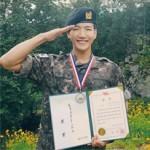 【公式】「2PM」Jun.K、軍修了式で師団長表彰…記念写真も公開