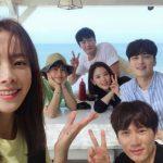 <トレンドブログ>女優ハン・ジミン、ドラマ「知ってるワイフ」のメンバーとの記念写真を公開する!