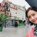 <トレンドブログ>「少女時代」ユナ、雨降るプラハでもまばゆい美貌♪ヨーロッパ旅行を楽しむ。