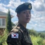 入隊中の「CNBLUE」イ・ジョンシン、軍服姿を公開