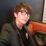 俳優イ・ジュンギ&歌手IU、バラエティ番組「知ってるお兄さん」の団体カット公開…暖かい友情